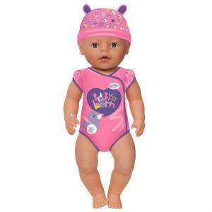 giv en Baby Born dukke til pigen på 2 år