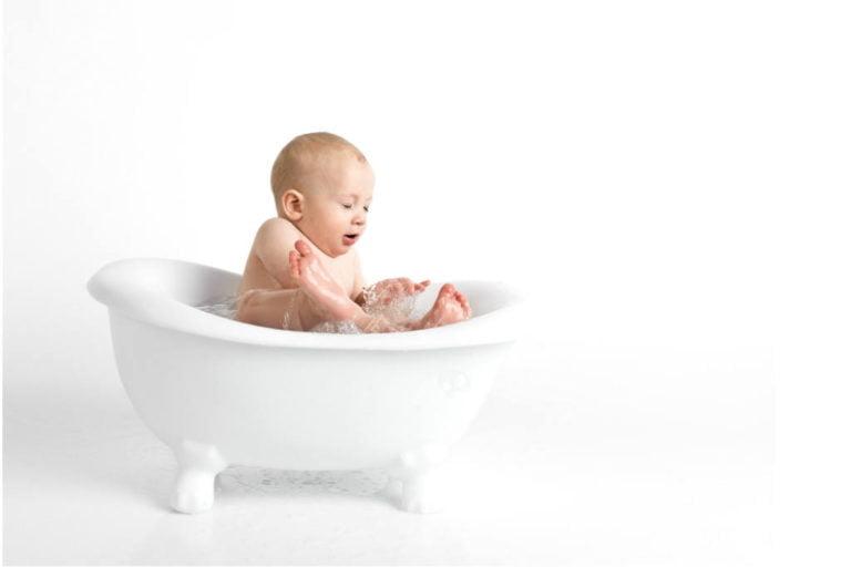 tips til hvordan du bader babyen i badekar