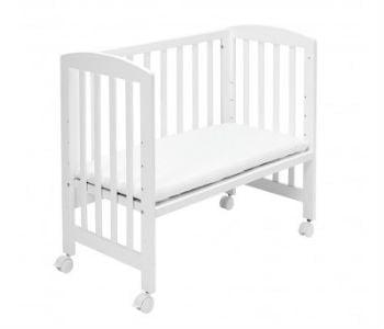 Køb en bedside crib med tremmer til babyen