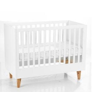 køb den minimalistiske babyseng til værelset