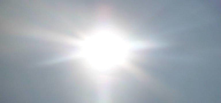 hvorfor er solens uv-stråler så farlige for børn
